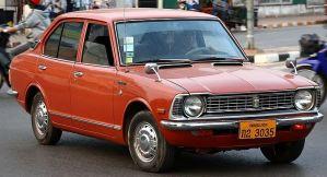 800px-Toyota_Corolla_E20_in_Vientiane